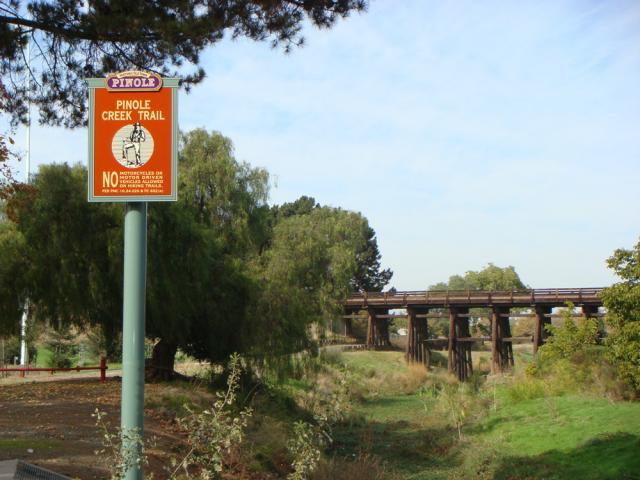 33pinole-creek-trail-entrance.preview